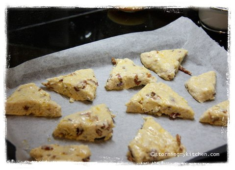 scone-pieces