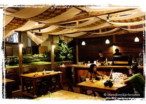 Cafe-at-Warung-Kelapa